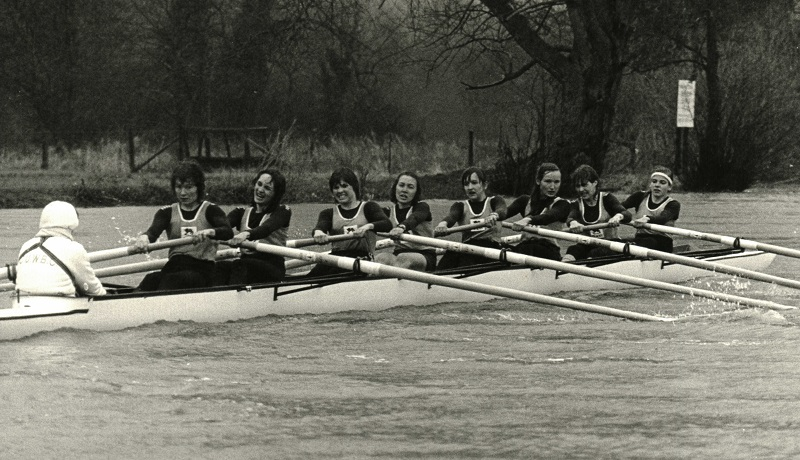 1984LW rowing sml